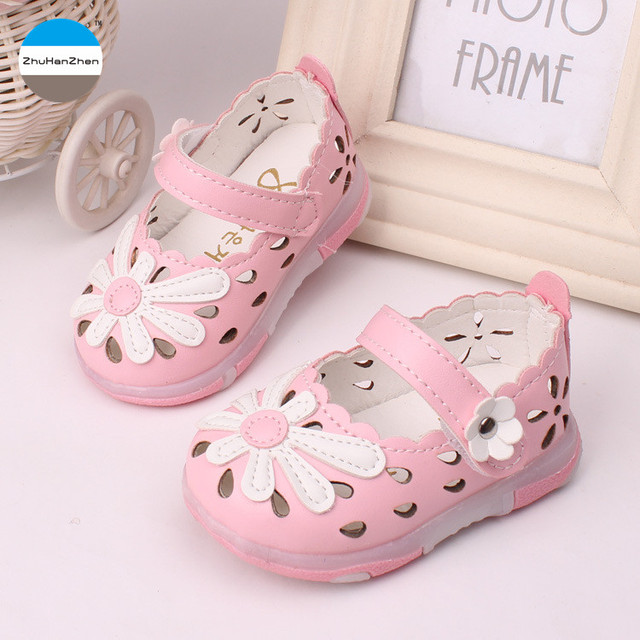 f452ec2802b52 2018 summer 0-2 years old baby girls sandals light shoes flowers princess shoes  first