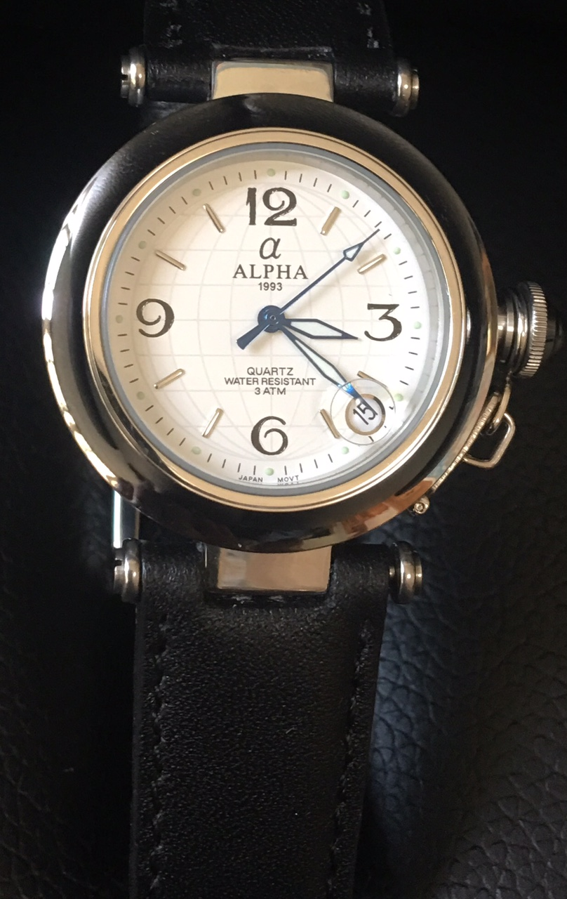 White dial Submarine crown leather band Japan quartz watch