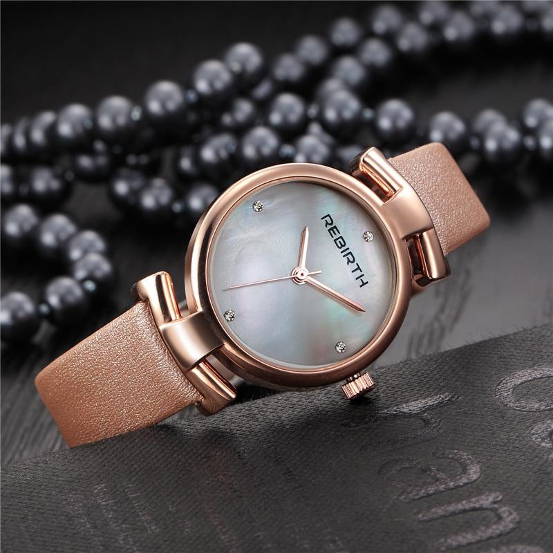 Montre horloge avec bracelet en cuir