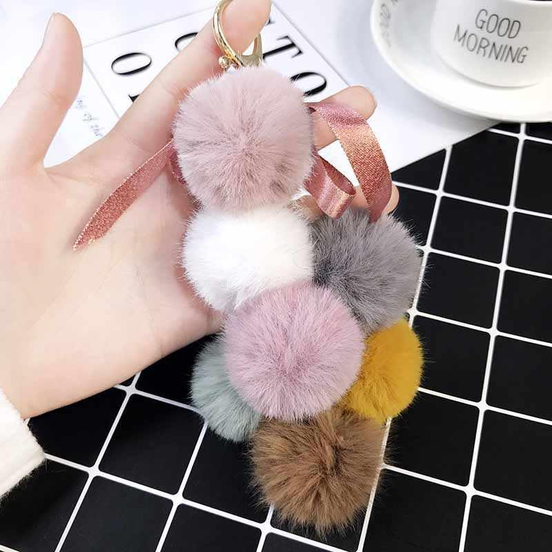 2019 Novos Frutos Bola Pom pom Faux Rabbit Fur Pompom Uva Chaveiro Mulheres Saco Da Corrente Chave Encantos Pingente de Chave Anel