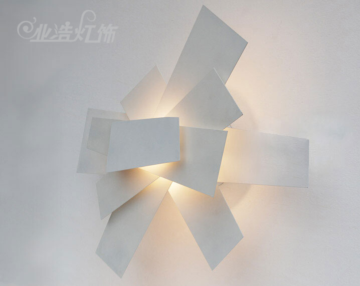 Lampada da parete a luce parzialmente diffusa foscarini caboche
