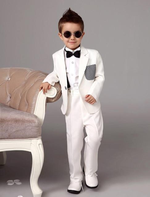 fb9d3a78ad190 Blanc anneau porteur costumes tendance garçons smoking avec noeud papillon  noir enfants robe formelle garçons costumes