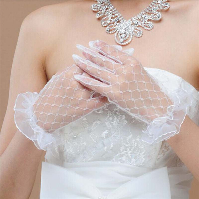 3 Color Bride Wedding Gloves Beige Short Design Lace Gauze Transparent Women Gloves 2018 UV-Proof Summer Women Fishnet Mitten R5