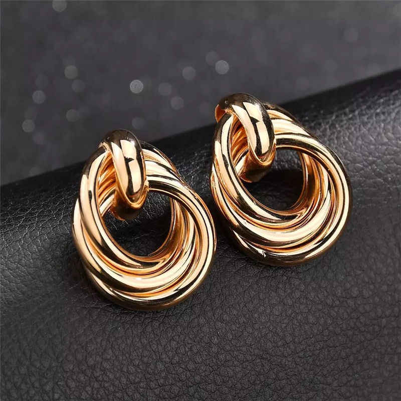 Retro Alloy Oiling Creative Fashion Peach Heart Ear Nail Pearl Dropping Large Earrings European and American Exaggerated Earring