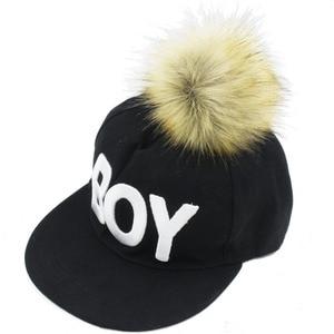 Image 3 - Furling 12 stücke DIY Flauschigen Faux Pelz 11cm Pom Pom Ball mit Drücken Sie Taste für Baby Mädchen Pom Beanie hut Dekoration Zubehör