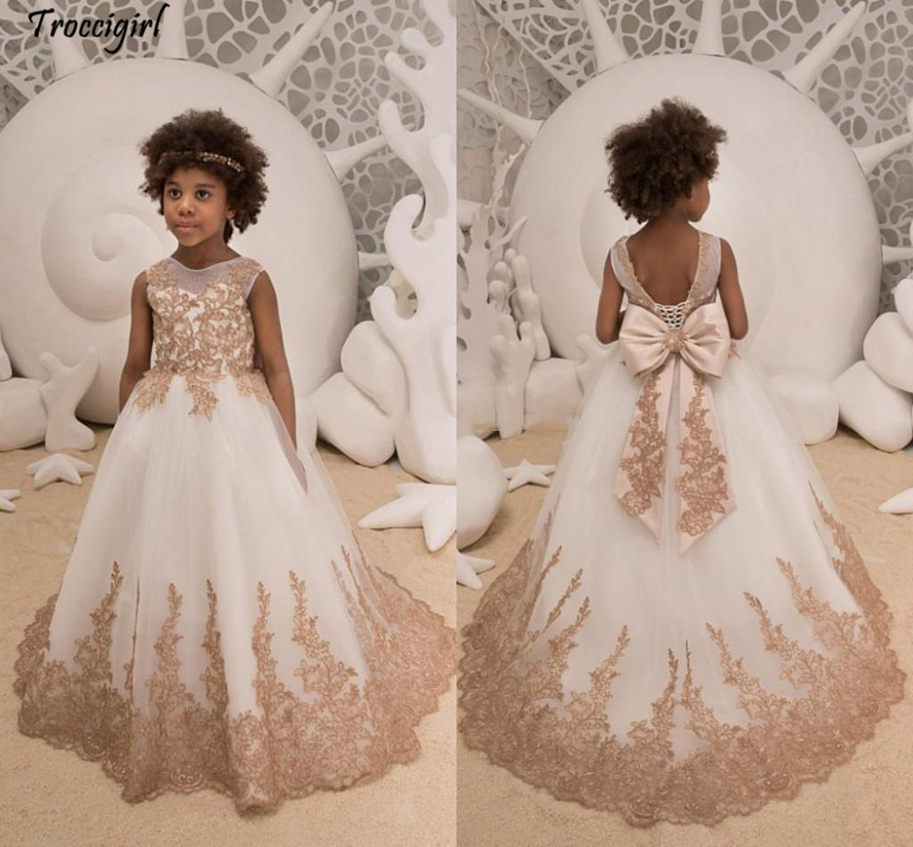 73-1           Vintage Iovry Flower Girls Dresses 2018 Sheer Neck Appliques Tulle Backless Bow Princess Children Party Dresses Sweep Train