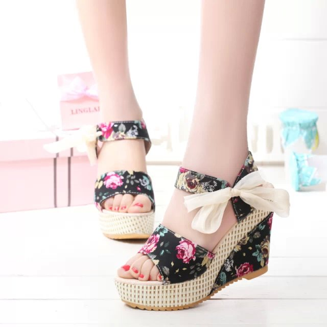 49880cfe87 New Fashion Women Wedges Platforms Floral Print Ladies Sandals Bowtie Sweet  Women Ultra High Heels Peep