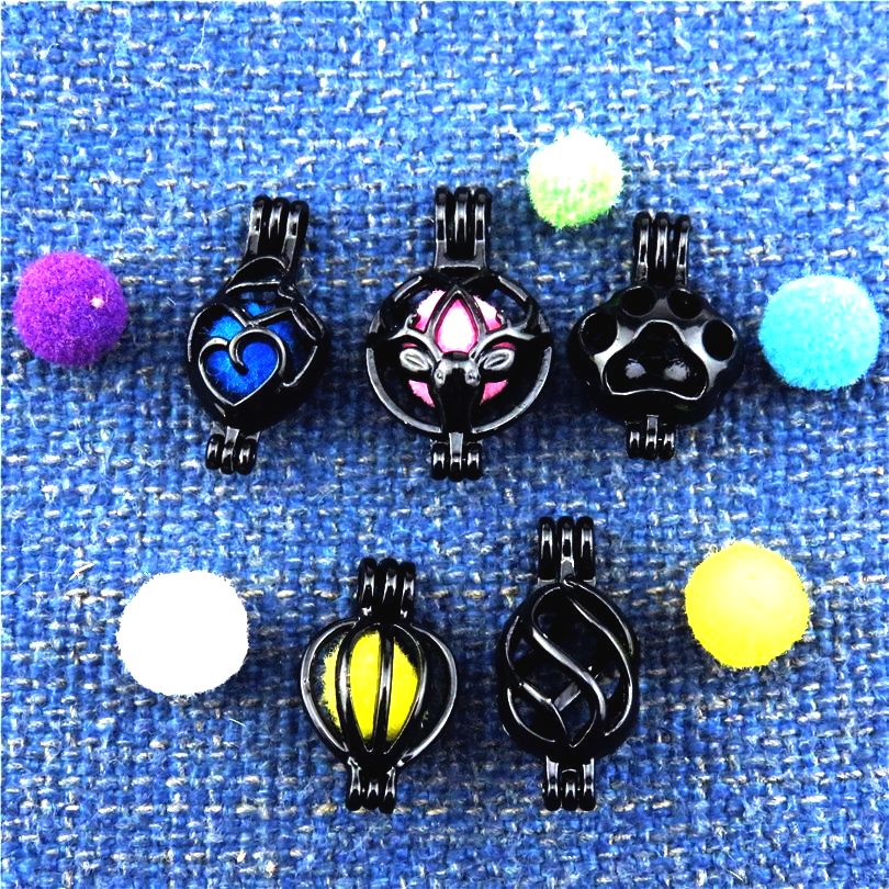 21909 Gun Black Dog Paw Maternal Love Beads Cage Essential Oil Diffuser Aromatherapy Locket Pendant Pearl Cage Jewelry Making