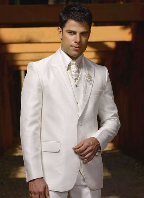 Beige suits 2018 male wedding the groom dress custom thin body of the groom, holds the man's suit jacket + pants + vest