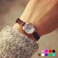 1 pc clássico Feminino mulheres relógios de pulso relógios retro pulseira de couro cor de doces pequeno dial Quartz Relógios de Pulso moda hot H4