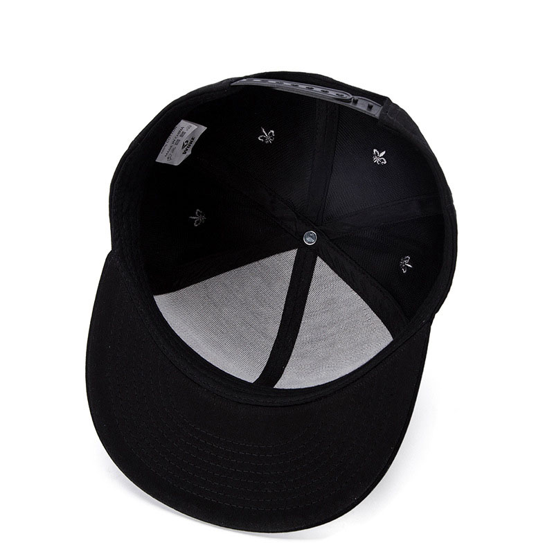 black snapback hat 03
