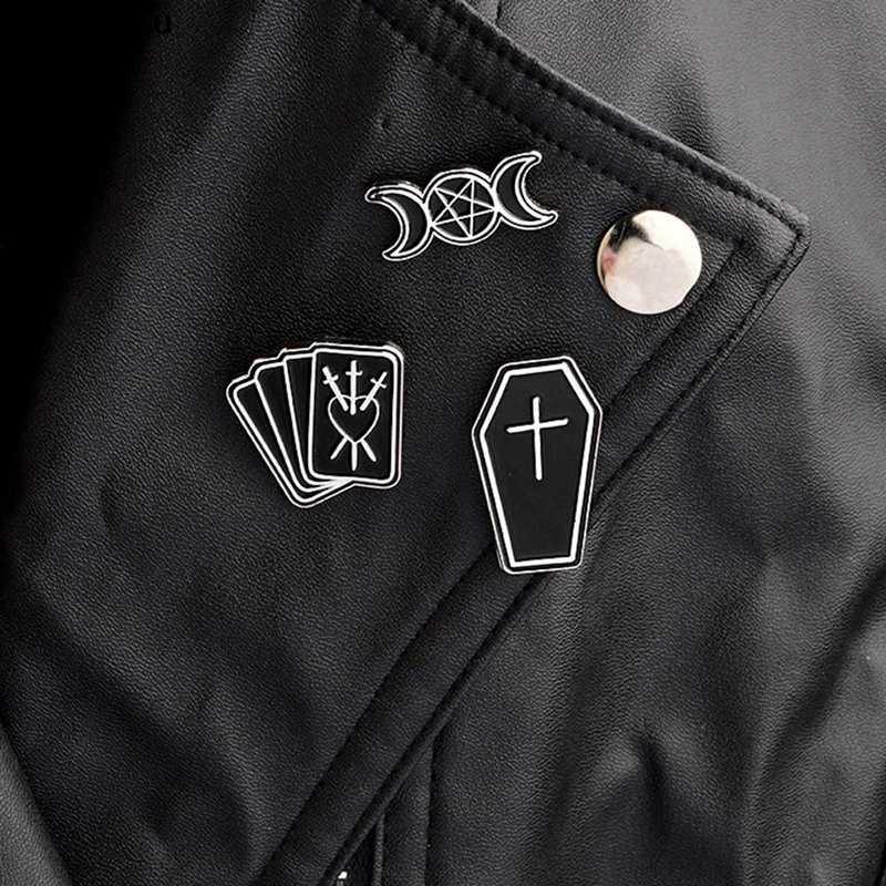 ムーンスターポーカー黒ゴスゴシックピンブローチデニムピンバックルシャツバッジファッションフレンド送料無料