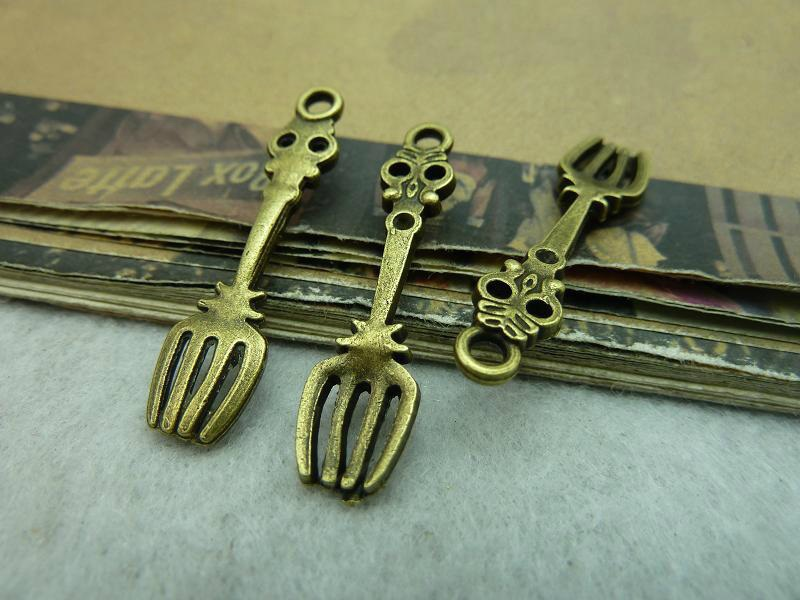 50pcs Wholesale Vintage Jewelry Findings And Components Antique Bronze Tone Fork Charms DIY Jewelry Making Accessories Free Ship