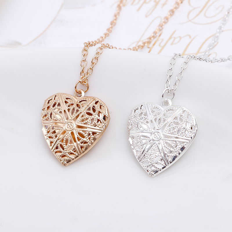 2019 New Creative Heart Shape locket Photo Secret Medallion Necklace Alloy gold silver Pendants  Friends Couples Gifts Jewelry