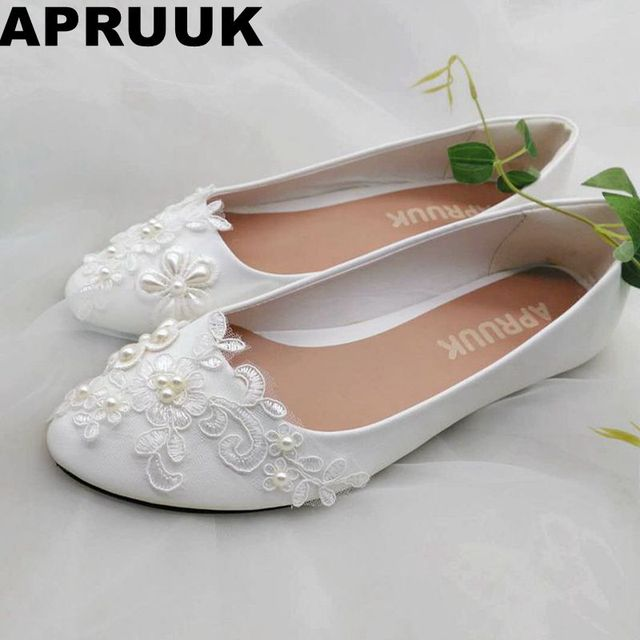 White lace ivory pearls bridal shoes women flat heel sweet flower girl  wedding party bridesmaid shoes 81cf1802c6d7
