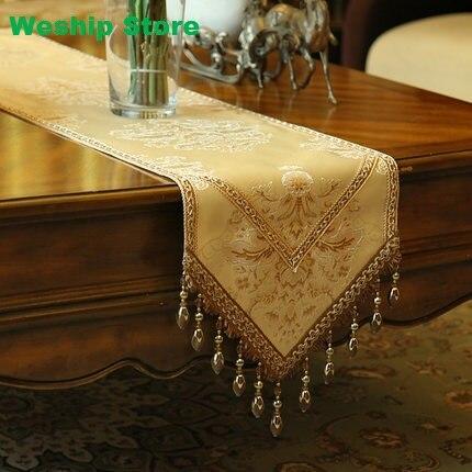 Mode maison incroyable tissu de soie imité doré Jacquard chemin de table Rural dentelle luxe Table drapeau et napperon