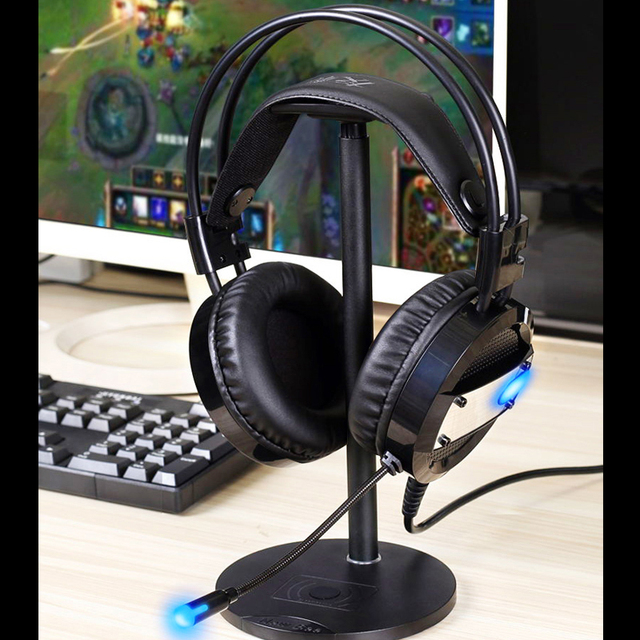 Wired Gaming Headset with Deep Bass and LED mic 5