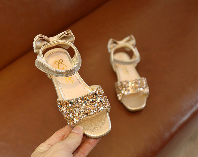 2018 summer new children's sandals Korean girls shoes crystal shoes girls bow sequins princess shoes small sandals