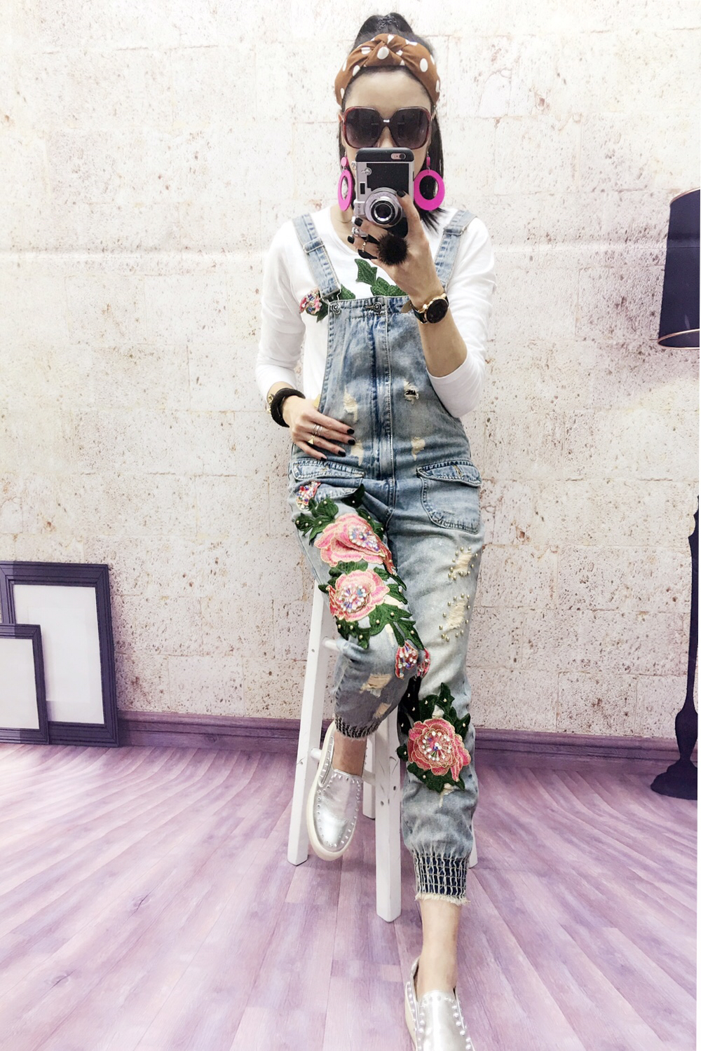 2017 European New Fashion Flower Embroidery Stitch Sequins Pearl Decoration Worn Out Overalls Rompers Women Jeans faux pearl decoration jeans
