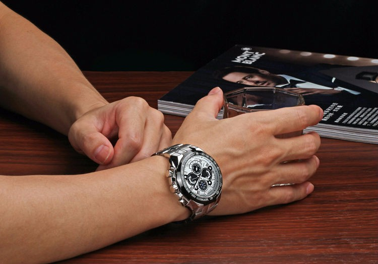 The New WWOOR Luxury Brand Men's Watches Stainless Steel Strap Sports Waterproof Watch Relogio Male Quartz Watch Leisure Watch 3