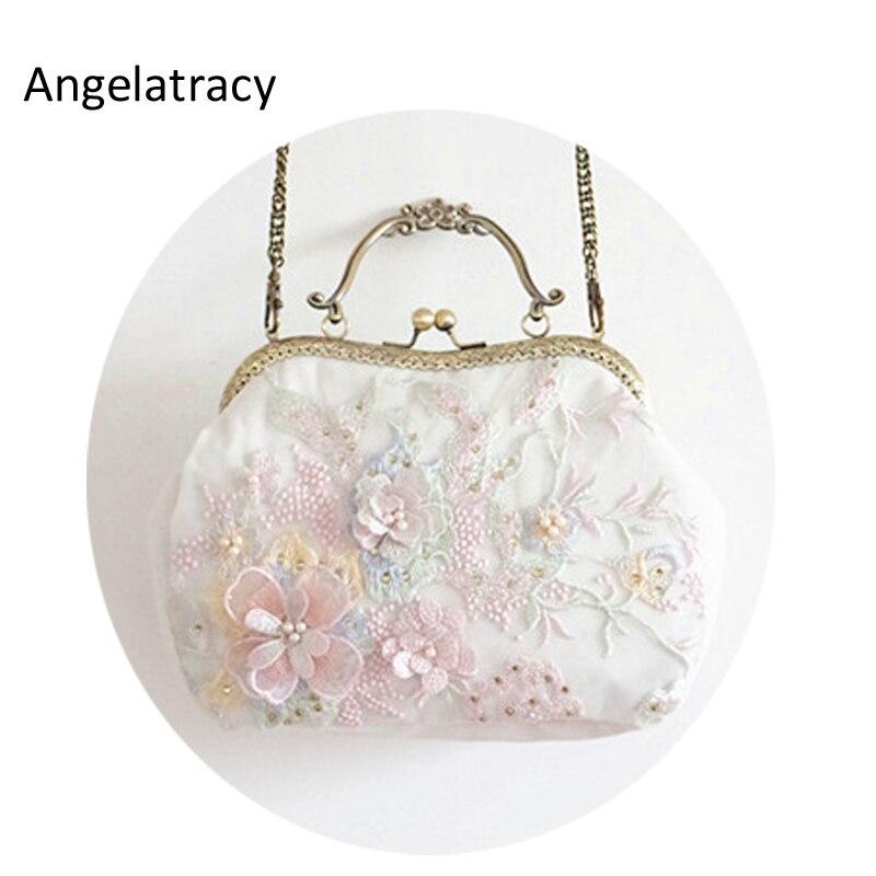 Angelatracy 2018 nouveau sac de cadre fait main blanc femmes sac en dentelle 3D sac à main fleur exquis Chic féminin victorien Vintage embrayage
