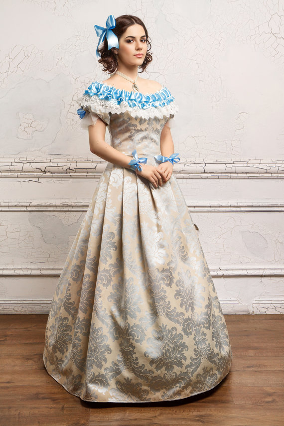 Womens Historical Costume Southern Belle A Charming Dress With Crinoline Characteristic Of The