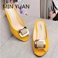 YUAN MIN Nova Moda Dedo Aberto Mulheres Sandálias de Cristal Strass Calcanhar Grosso Chinelos de Verão Mulheres Com Idade Média de Slides Grandes Estaleiros