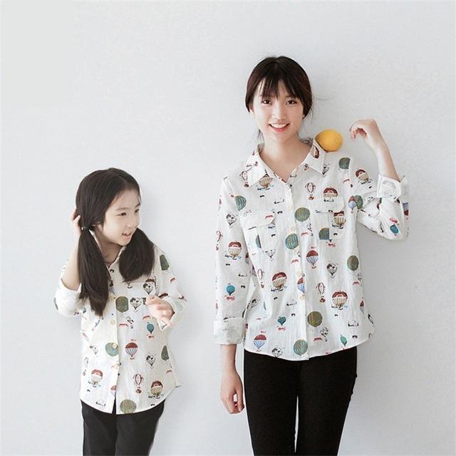 2017 diseñador de la marca de manga larga impresiones de algodón casual camisa a juego de la familia madre e hija ropa de mamá y las niñas camisetas