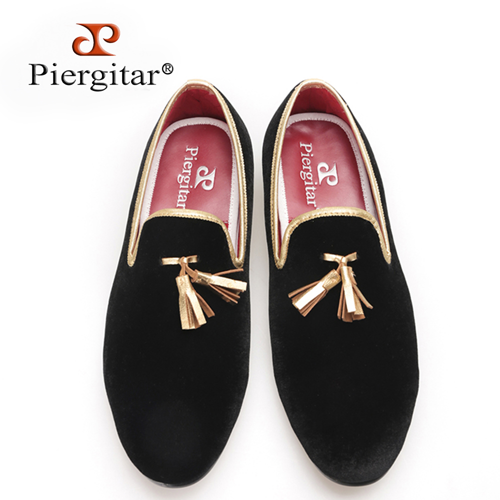 Piergitar new style 2017 Handcraft Men velvet shoes with gold tassel and gold stitching Prom and Banquet Men loafers men's flats piergitar 2016 new india handmade luxurious embroidery men velvet shoes men dress shoes banquet and prom male plus size loafers