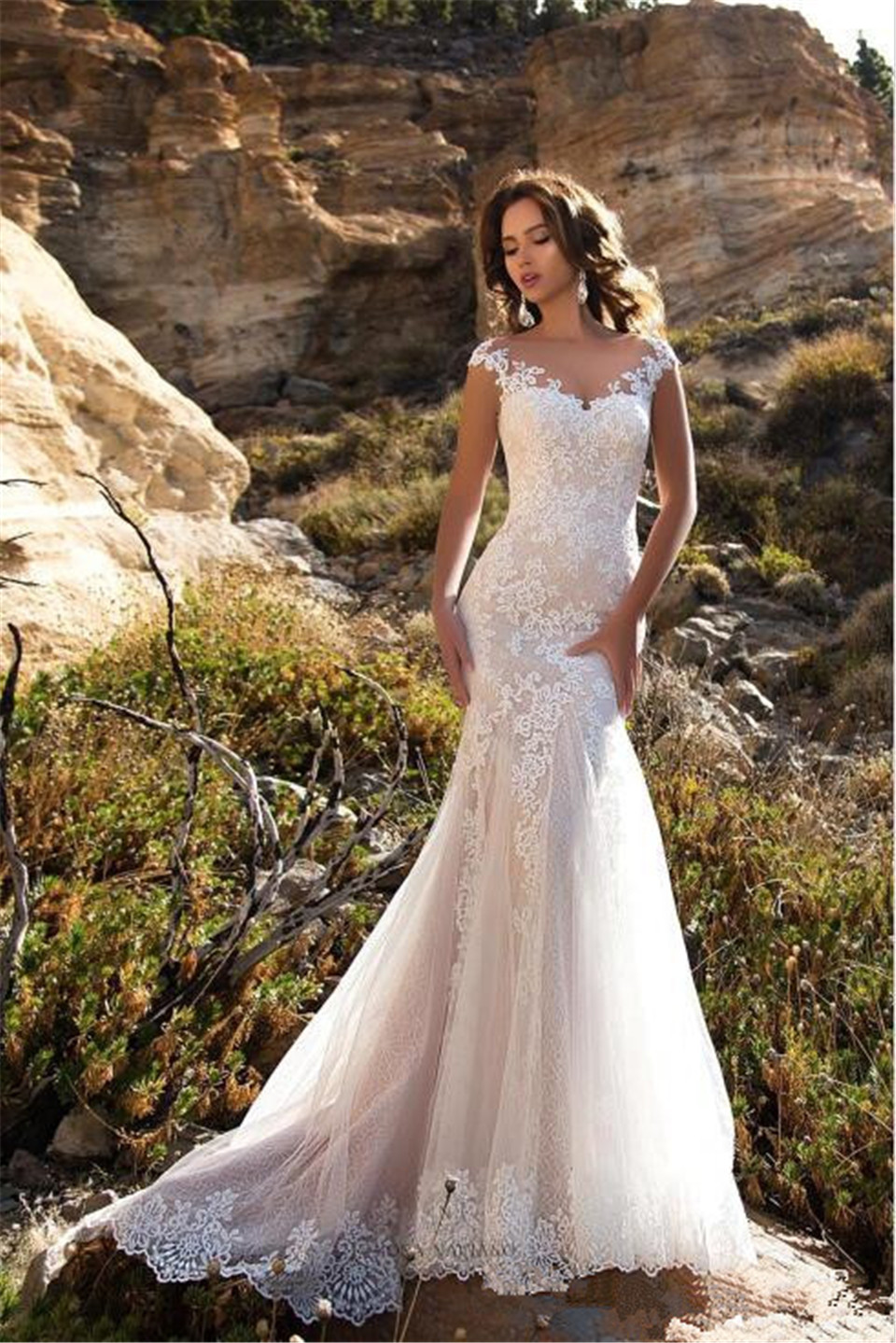 sheer-neck-appliqued-lace-wedding-dresses-2018-mermaid-court-train-boho-bridal-gowns-vestidos-de-noiva-ba8413 (1)_
