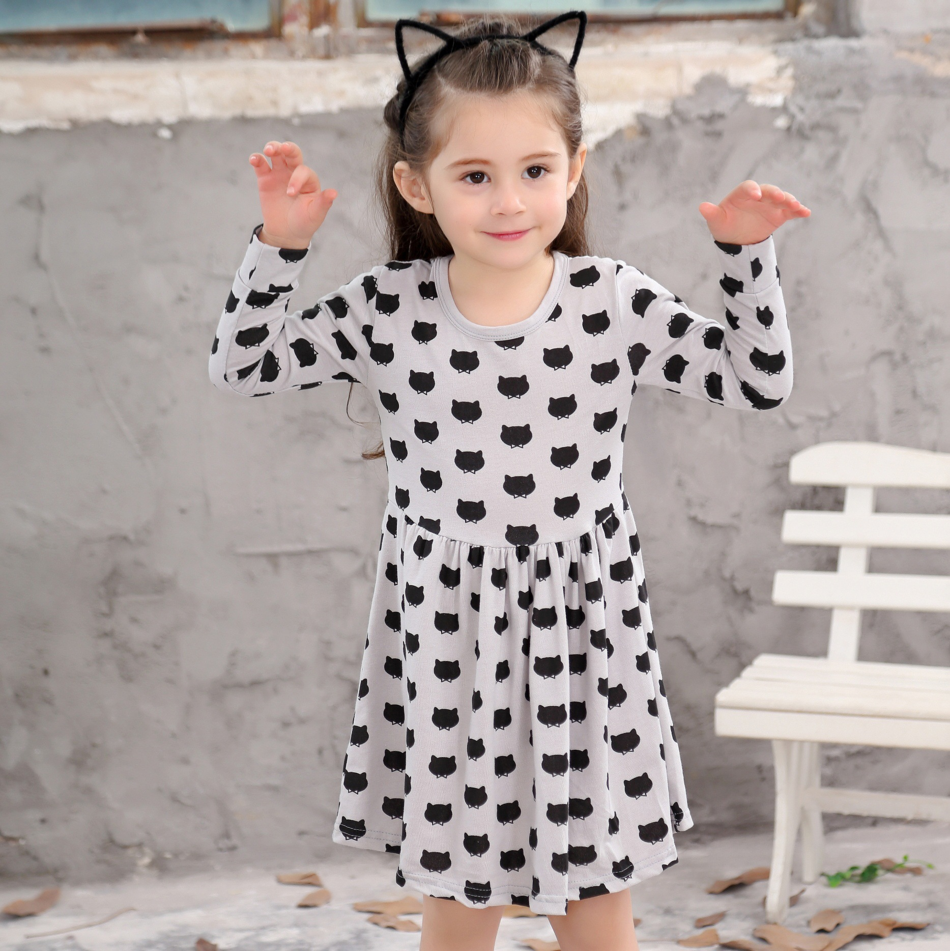 Chinese children s clothing black cat pattern printing wave point