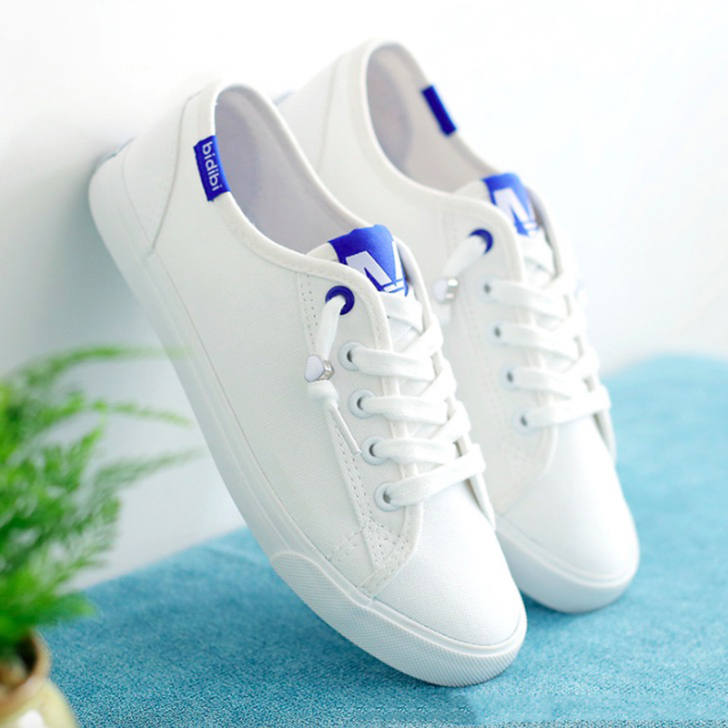 Women Casual Shoes 2018 Spring Summer Canvas Shoes Woman Flats White Black Fashion Breathable Women Sneakers fashion womens casual shoes 2017 spring summer breathable women canvas shoes brand soft thick sole classic black white th085