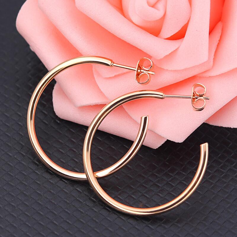 New Fashion Round Hoop Earrings For Ladies Stainless Steel Wedding Party Jewelry 2018 Women Huggie Circle Earrings Accessories