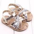 2017 Мода детская Обувь для девочек летние стили золотой серебряный впервые уокер обувь противоскользящей подошвой младенческой малыша обувь для ребенка