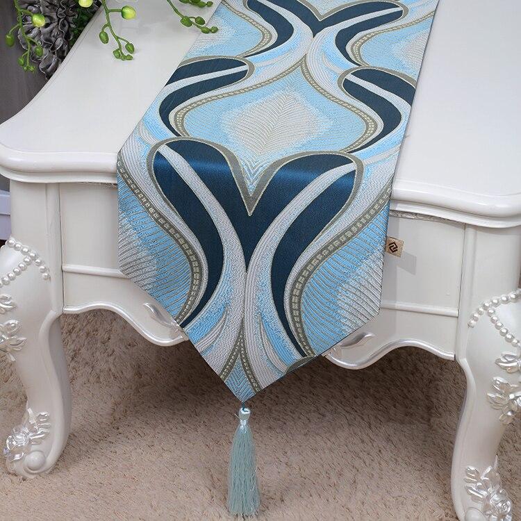Klasszikus, Jacquard szövetből készült asztali futó, európai - Lakástextil