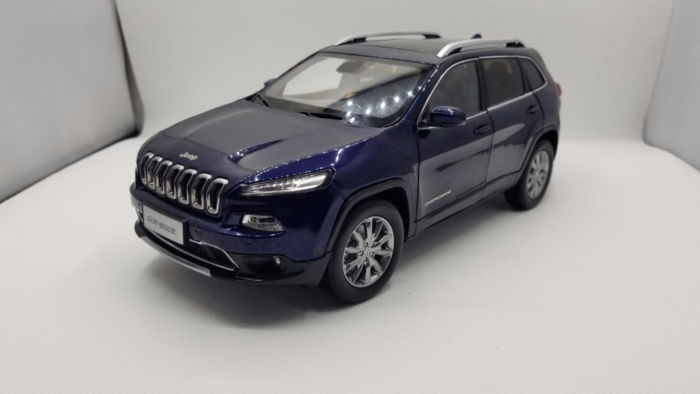 1:18 Diecast Model for Jeep Cherokee 2016 Blue SUV Alloy Toy Car Miniature Collection Gifts 1 18 diecast model for jeep compass 2017 silver suv alloy toy car miniature collection gift
