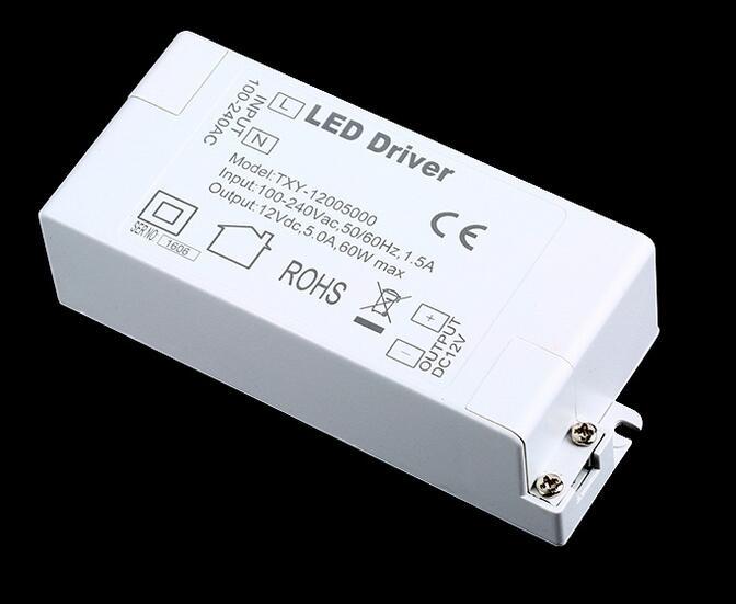 50ks 2019 LED napájecí zdroj 12V 5A 60W LED ovladač střídavý adaptér 100V napájecí zdroj osvětlení transformátor LED lampa proužek