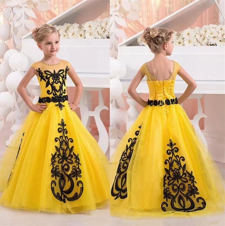 New Yellow Girls Pageant Dresses Jewel Neck Short Cap Sleeves Black Lace Appliques Tulle Floor Length Flower Girl Birthday Dress