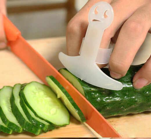 Veiligheid Vinger Protector Keuken Accessoires Plastic Vinger Guard Bescherm Uw Vinger Hand Niet Pijn Cut groente gereedschap