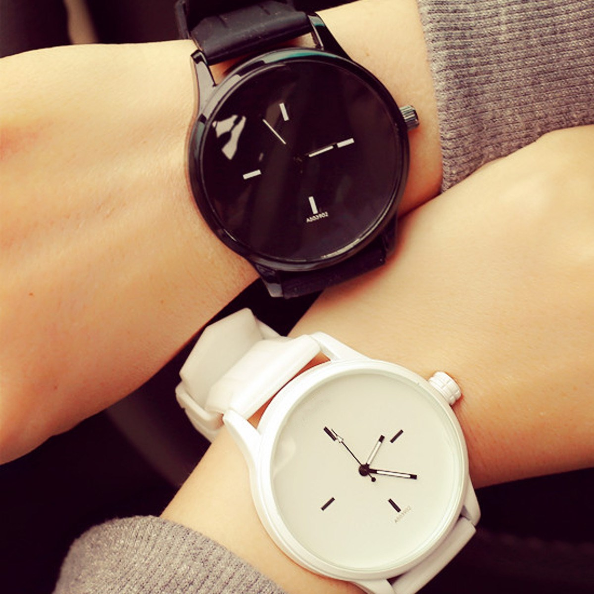 Hot Unisex Fashion Watch Lovers Silicone Sport Quartz Watches Student Women Men Simple Casual Wristwatches Clock White Black 2016 fashion lady wrist watch casual silicone watches with quartz unisex wristwatches for men women gift silicona children mujer