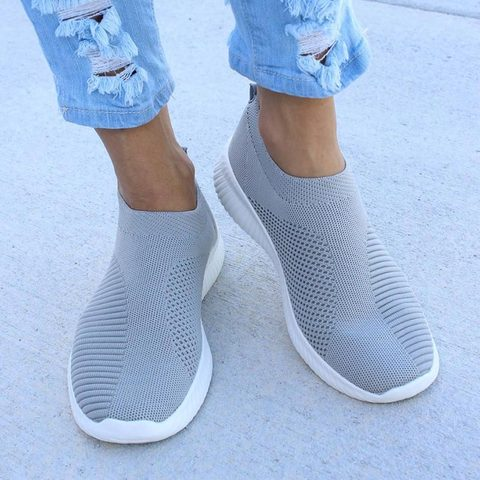 Sneaksrs women shoes 2019 fashion knitting breathable walking shoes slip on flat shoes comfortable casual shoes woman plus size Pakistan