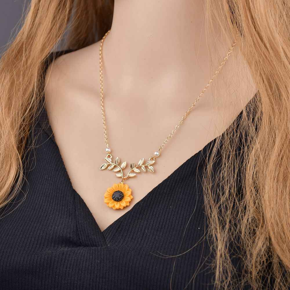 2019 Hot Fashion yellow Sunflower Pendant Necklace for Women Imitation Pearl Necklace Jewelry Clothes Accessories Drop shipping