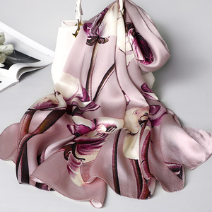 Image 4 - יוקרה מותג 100% משי אמיתי צעיף נשים מעצב וכורכת אלגנטית פרחוני הדפסת פשמינה רך חורף צעיפי femme חיג אב