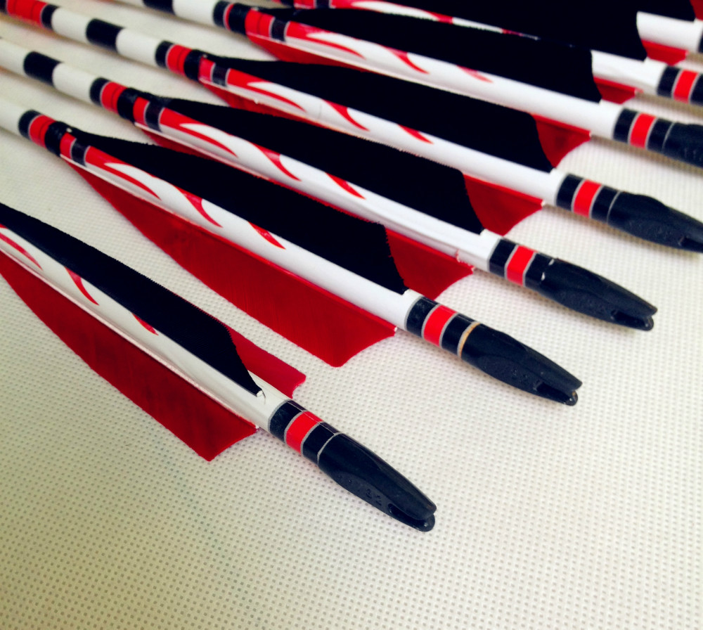 6/12/24  Pcs  New Red And White Feather Wooden Arrow Longbow Outdoor Hunting