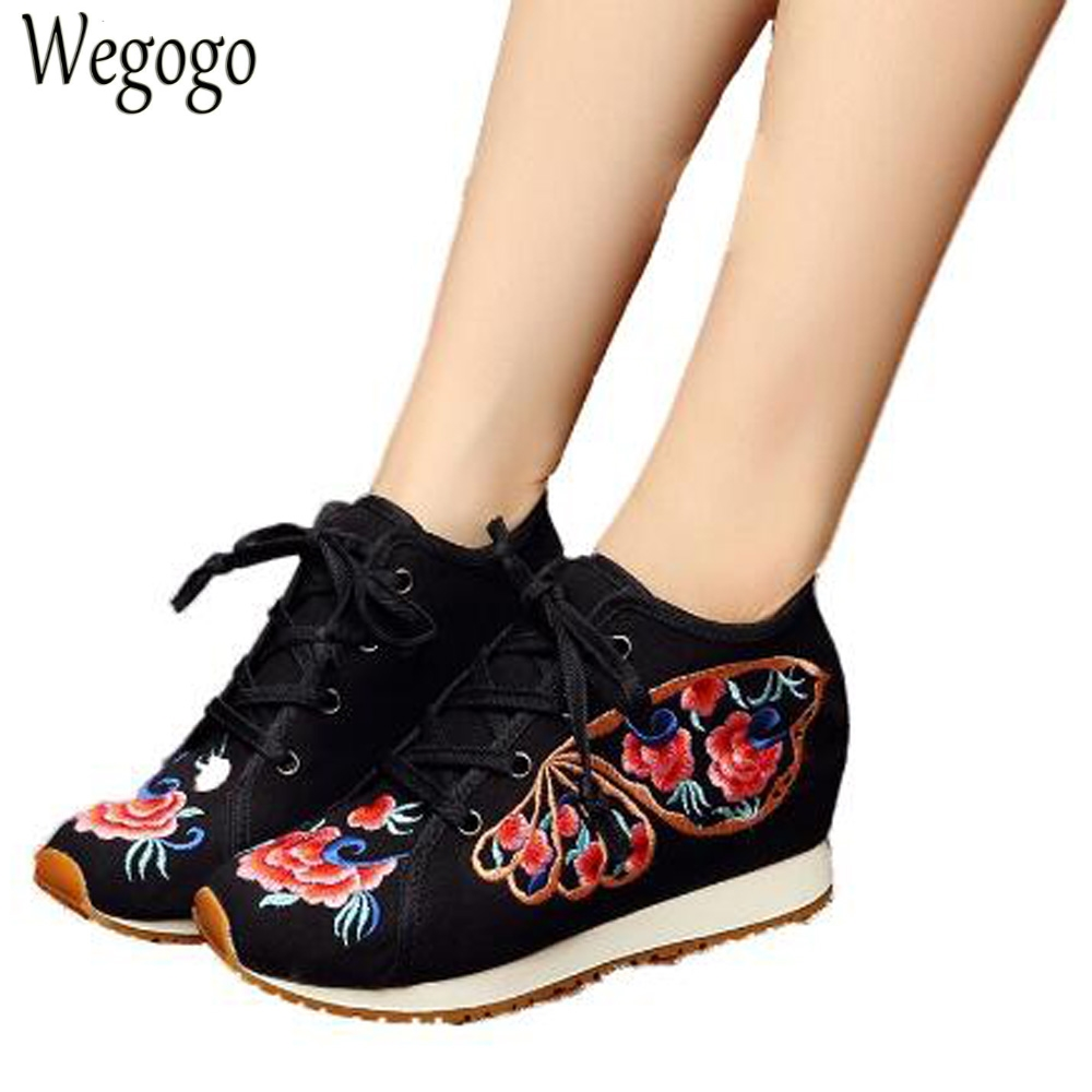 Chinese Old BeiJing Ethnic Embroidery Shoes Tourism Butterfly  Embroidered Floral Shoes Singles Walking Dance Shoes Plus Size 40 autumn new women flats vintage chinese old beijing shoes tourism embroidered floral single soft lace up shoes woman