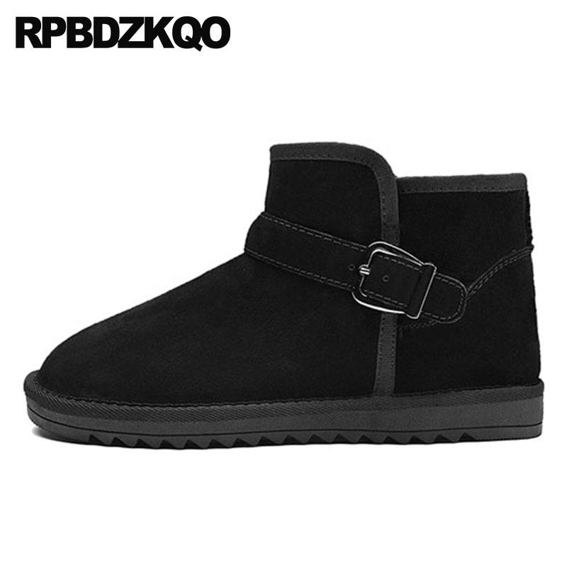 Pas cher sans lacet grande taille 2018 chaussures noir neige plat court australien chaud chaussons mâle daim marron hiver hommes bottes avec fourrure