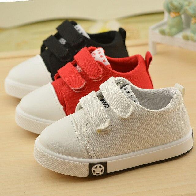 36ad95533 قماش أحذية الأطفال 2017 الخريف الأطفال بنين/بنات الأزياء تنفس أحذية رياضية  بيضاء أحذية حذاء