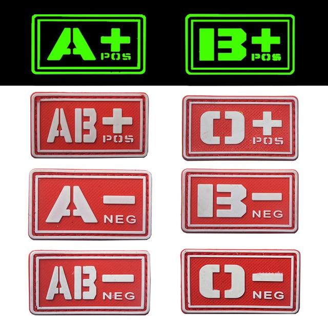 reebow taktische 2x red eine b o ab blutgruppe patches nachtleuchtende pos neg military notfall. Black Bedroom Furniture Sets. Home Design Ideas
