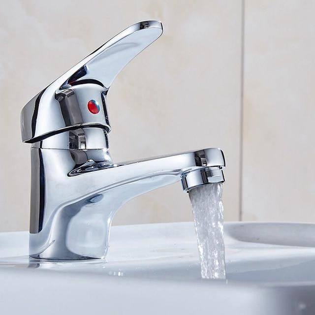 Classic Brass Single Handle Single Hole Bathroom Sink Faucet Chrome