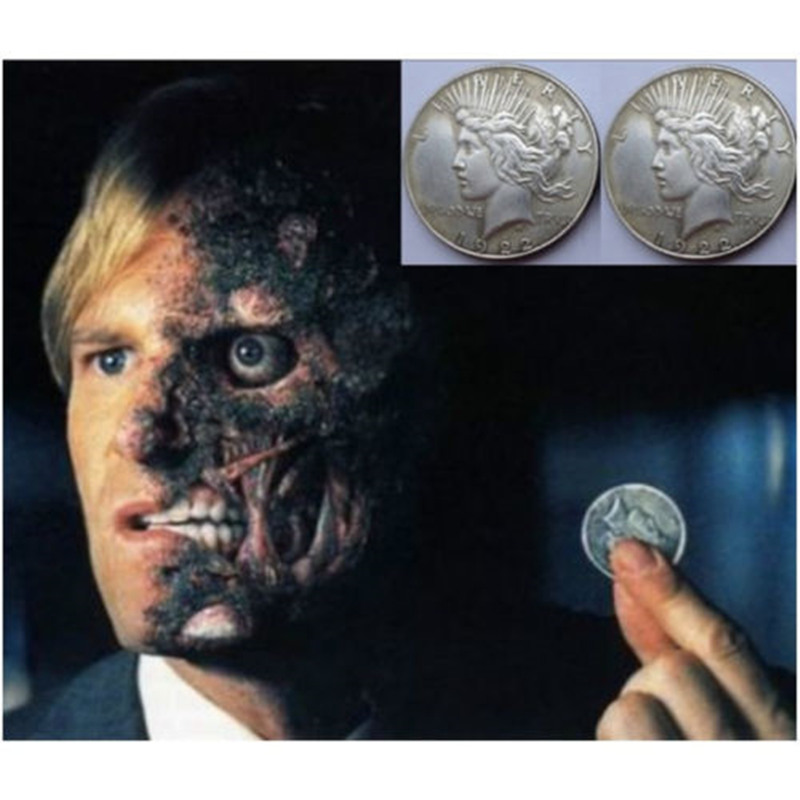 Movie Batman Two Face Prop Trick Coin Harvey Dent Cosplay Dark Knight Joker Props